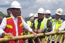 Jokowi Minta Basuki dan Pemprov DKI Bereskan Banjir Jakarta