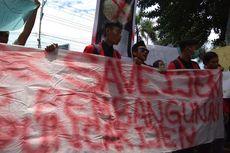Mahasiswa Banyuwangi Demo Tolak Pembangunan di Puncak Gunung Ijen