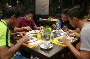 Timnas U-22 Sahur Bersama di Hotel Penginapan