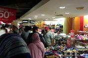 Omzet Gerai Penjual Pakaian di Mal Ciputra Meningkat
