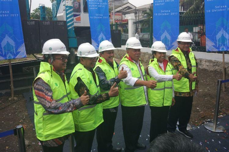 PT Wijaya Karya (Persero) Tbk. atau Wika bekerja sama dengan PT Kereta Api Indonesia (Persero) atau KAI mengembangkan kawasan berkonsep Transit Oriented Development (TOD) di Stasiun Pasar Senen, Jakarta, Senin (10/10/2017).