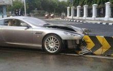 Ini Kerusakan yang Dialami Aston Martin Tabrak Separator Busway