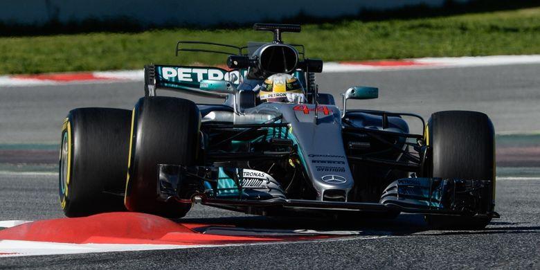Hamilton: Ferrari Kini Jadi Favorit