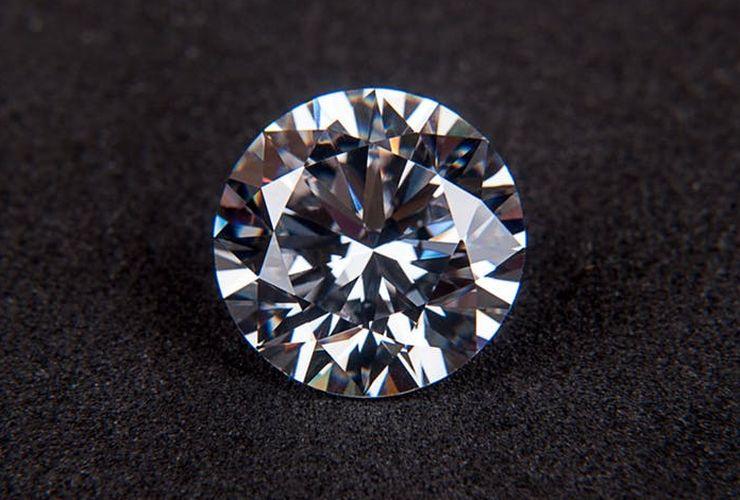 Di Balik Kilau Berlian yang Memukau