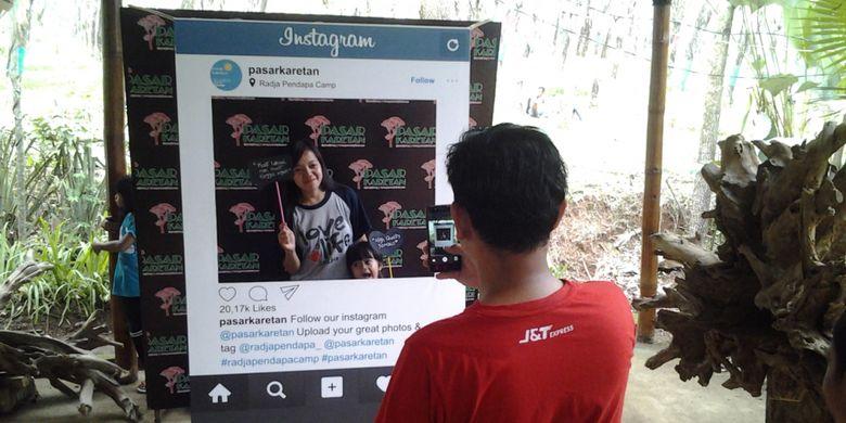 Tempat selfi untuk instagram di Radja Pendapa, Kendal, Jawa Tengah, Minggu (5/11/2017).