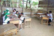 Siswa SD di Gorontalo Utara Ini Terpaksa Belajar Bareng    Anjing