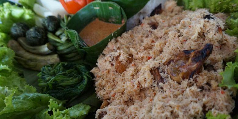 Pecel pitik di Banyuwangi, Jawa Timur.