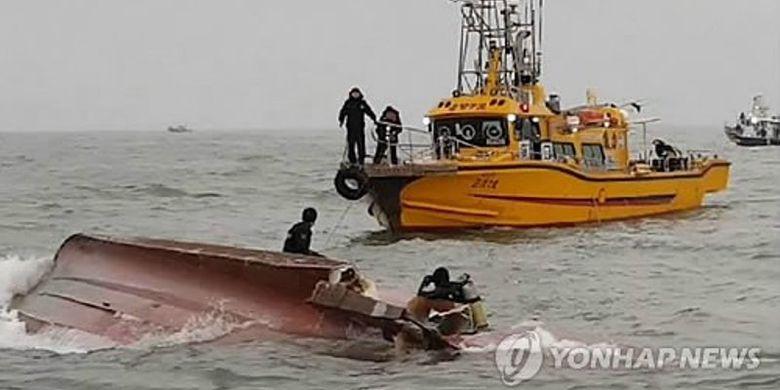 13 Orang Tewas Saat Kapal Nelayan Tabrak Tanker di Korea Selatan