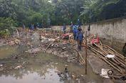 Perbaikan Tanggul Jebol di Jatipadang Terkendala Genangan
