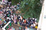 Peserta Aksi Bela Palestina Padati Stasiun Juanda dan Gondangdia
