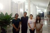 Jokowi Ajak Pengunjung Malioboro Berfoto Bersama di Gedung Agung