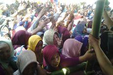 Masyarakat Kendal Berebut Nasi Bungkus di Haul Pangeran Abinowo