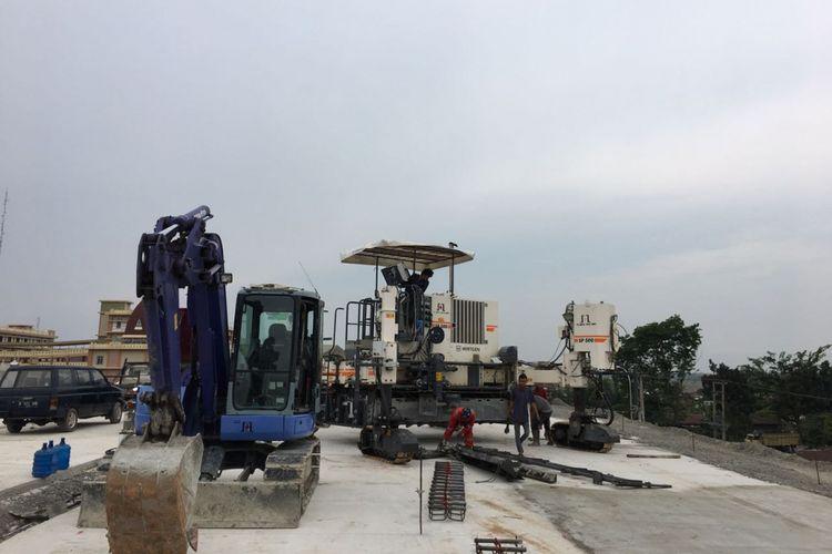 Pekerjaan percepatan infrastruktur Jalan Tol Trans Sumatera masih terus berlangsung.