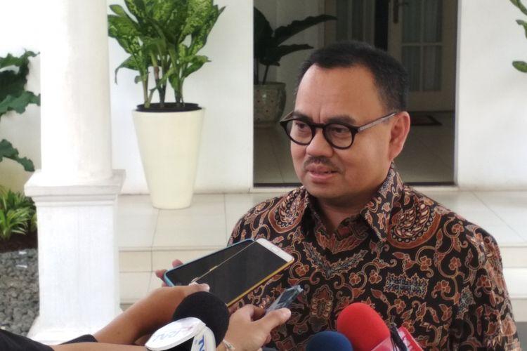Mantan Menteri Energi dan Sumber Daya Mineral RI, Sudirman Said Usai Menemui Wakil Presiden Jusuf Kalla di Istana Wapres, Jakarta, Jumat (5/5/2017).