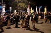 Ribuan Warga Yogya dan Jateng Ikuti Tradisi Keliling Benteng Keraton Tanpa Bicara