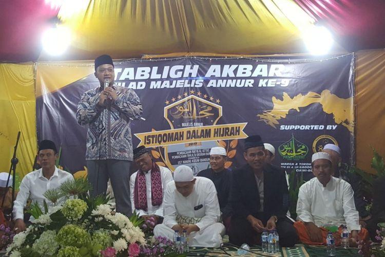 Bakal Calon Wakil Gubernur Jawa Barat dalam kunjungannya ke Bogor. Sejak direkomendasikan menjadi bakal cawagub Jabar oleh Partai Golkar, Daniel tancap gas, maraton mengunjungi berbagai daerah di Jabar.