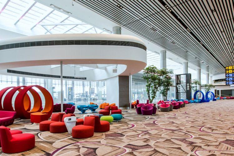 Interior Terminal 4 Bandara Internasional Changi Airport.