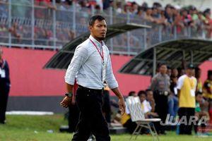 Momen Langka Pelatih Persik Kediri dan Kapten Timnas U-19