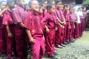 Sering Bersandal Jepit, Bocah Kelas IV SD Ini Mengaku Senang Dapat Sepatu