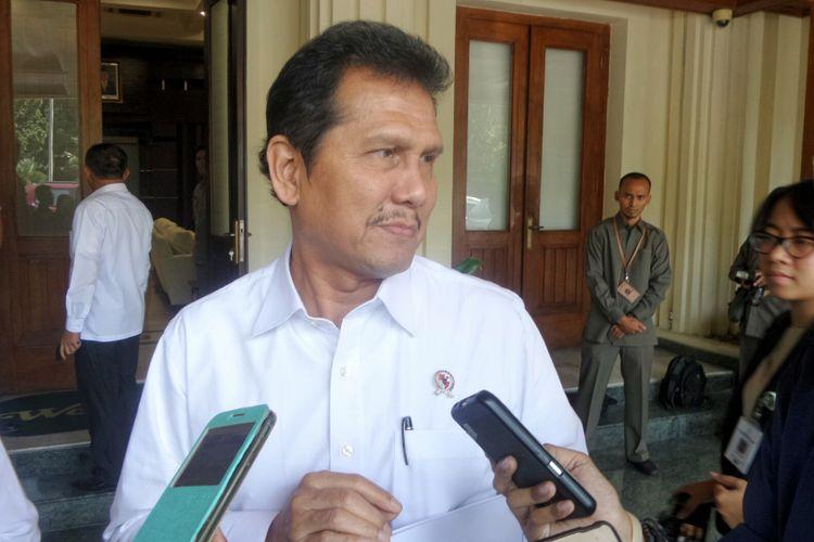 Menteri Pendayagunaan Aparatur Negara dan Reformasi Birokrasi (Menpan RB) Asman Abnur saat ditemui di Kemenko Polhukam, Jakarta Pusat, Senin (12/6/2017).