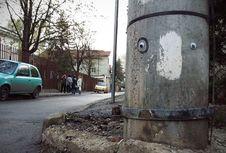 'Eyebombing', Mengubah Jalan yang Rusak Menjadi Lucu