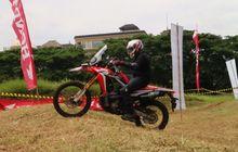 Plus-Minus CRF250Rally di Aspal dan Tanah
