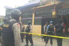 Polisi Geledah Pabrik Konveksi Terduga Pelaku Bom Kampung Melayu