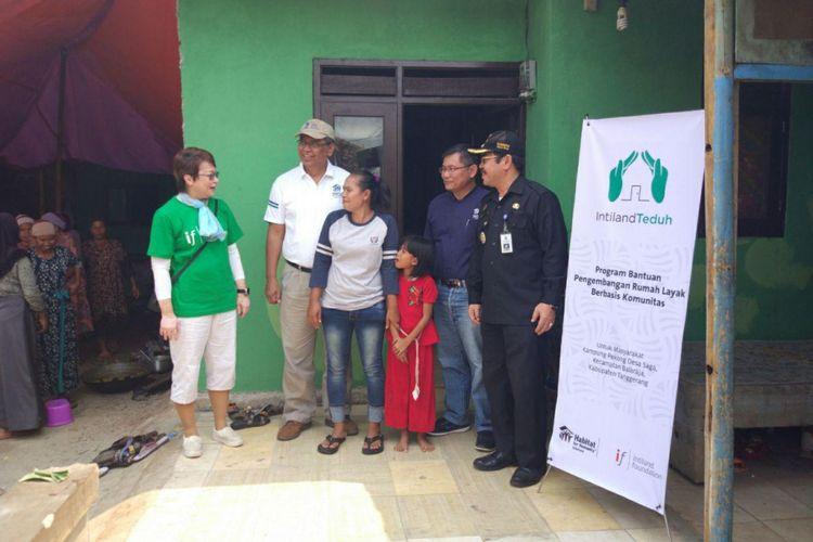 Bantuan program Intiland Teduh, di Pekong, Saga, Balaraja, Tangerang.