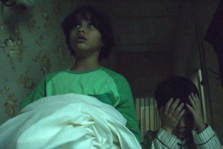 Salah satu adegan dalam film Pengabdi Setan yang disutradarai oleh Joko Anwar.