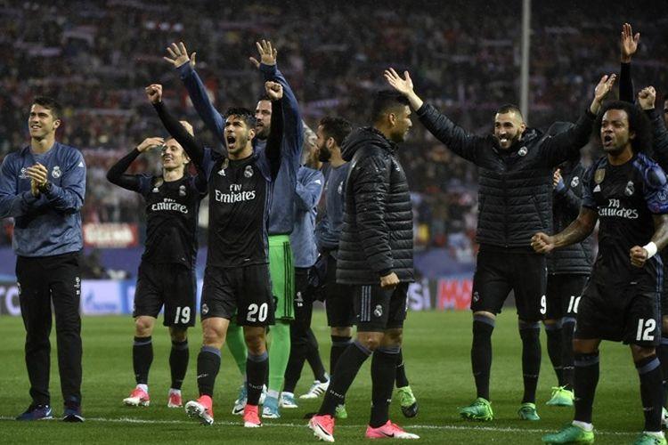 Pemain Real Madrid merayakan keberhasilan mereka lolos ke final Liga Champions. Cristiano Ronaldo dan kawan-kawan memastikan tiket final setelah menyingkirkan Atletico Madrid.