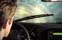 Kaca Depan Berdebu, Jangan Asal Gunakan Wiper