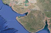 Pemimpin Oposisi India Rahul Gandhi Dilempari Batu di Gujarat