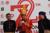 Baju Adat Terbaik, Menteri hingga Pegawai Istana Dapat Sepeda dari Jokowi