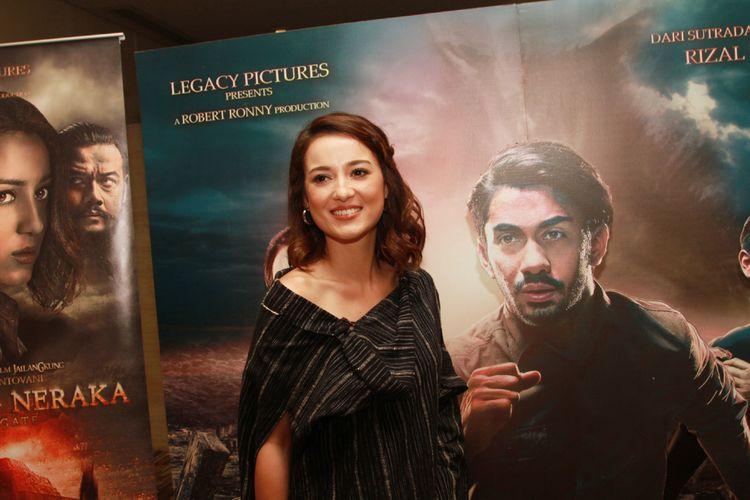 Julie Estelle menghadiri pemutaran film Gerbang Neraka di XXI Epicentrum, Jakarta Selatan, Rabu (13/9/2017).