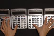 YouTuber Ini Mainkan Lagu Game 'Mario Bross' dengan Kalkulator