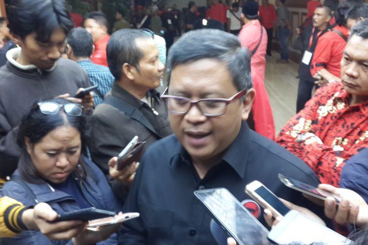 Sekretaris Jenderal DPP PDI Perjuangan Hasto Kristiyanto dalam rapat konsolidasi partai di Hotel Ijen Suites, Kota Malang, Minggu (10/9/2017).