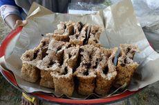 Liburan ke Ambon, Wajib Coba Kuliner Sagu Gula Aren yang Kian Langka