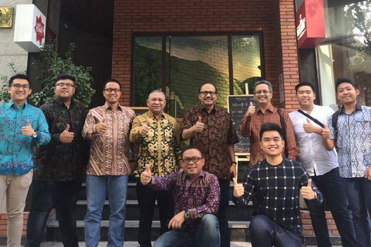 Sedikitnya 70 mahasiswa dari berbagai penjuru China Timur berkumpul di Bali Bistro, Shanghai, Sabtu (7/10/2017). Mereka memproklamirkan diri sebagai anggota Generasi Wonderful Indonesia atau GenWI. Komunitas ini aktif di media sosial untuk mempromosikan pariwisata Indonesia dari tempat mereka tinggal.