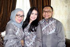 Ayah Prilly Latuconsina Rancang Seragam Lebaran