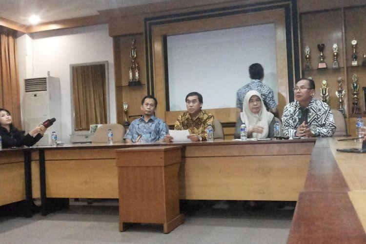 Konferensi pers yang digelar Rektorat Universitas Gunadarma di kampus mereka di Jalan Margonda, Depok, Selasa (18/7/2017).
