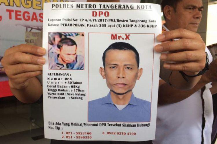 Kapolres Metro Tangerang Komisaris Besar Harry Kurniawan merilis sketsa salah satu pelaku kasus penembakan terhadap Italia Chandra Kirana Putri (22) di Mapolres Metro Tangerang, Kamis (15/6/2017)