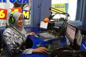 Potret Guru Zaman 'Now', Pagi Mengajar Siang Jadi Penyiar