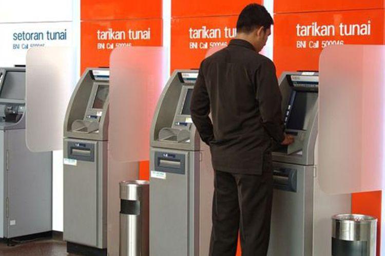 Dari sekitar 17.000 ATM BNI, sekitar 1.500 unit di antaranya terkena dampak gangguan satelit Telkom 1.