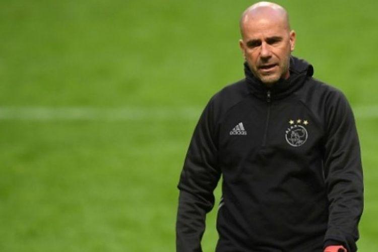 Peter Bosz ditunjuk sebagai pelatih anyar Borussia Dortmund.