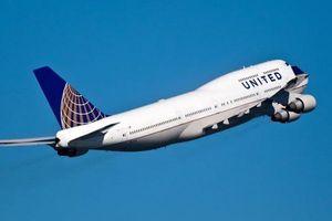 Terus Didera Masalah, Kali Ini United Airlines Dituntut Penumpangnya