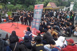 '500 Kamis, dan Jokowi Hanya Janji Manis...'