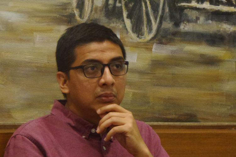 Direktur Pusat Kajian Anti Korupsi Universitas Gadjah Mada (Pukat UGM) Zainal Arifin Mochtar  dalam sebuah acara diskusi di bilangan Cikini, Jakarta Pusat, Minggu (19/3/2017).