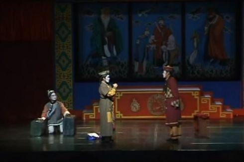 Simpul Literasi Media, Maecenas, dan Orang-orang di Panggung Kesunyian