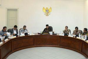 Jokowi Mendadak Kumpulkan Menteri Bidang Ekonomi dan Maritim