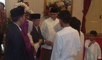 Jokowi Tertawa Bersama Anies, JK Bilang